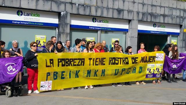 Protesta en las oficinas de Lanbide