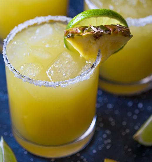 PINEAPPLE MARGARITA #drink #pineapple