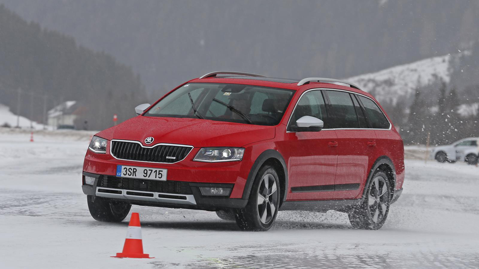 skoda octavia combi 4x4 octavia scout superb 4x4 superb html autos weblog. Black Bedroom Furniture Sets. Home Design Ideas