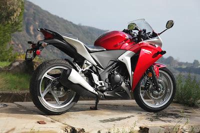 Harga dan Spesifikasi Honda CBR 250R ABS