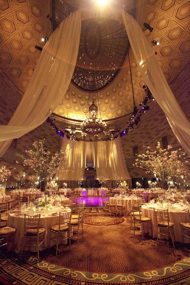 dapals 39 zone your dream wedding reception decor. Black Bedroom Furniture Sets. Home Design Ideas