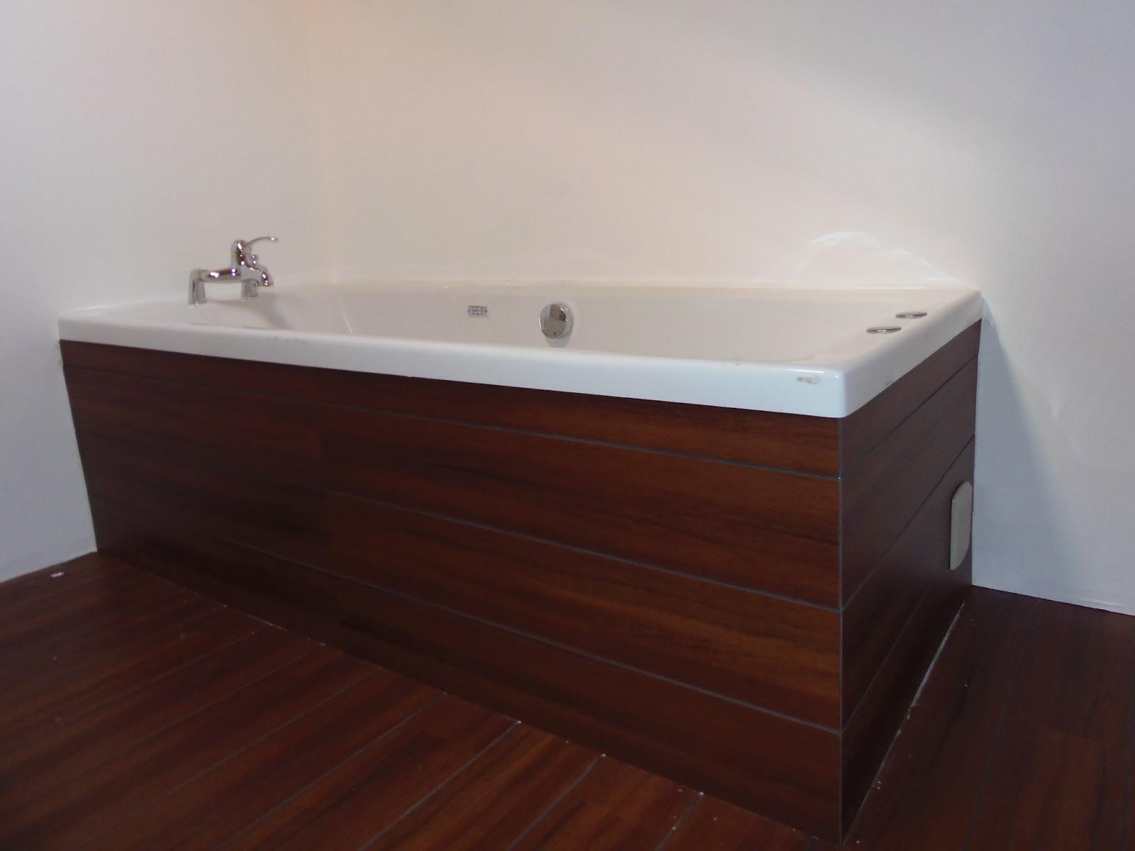 notre chalet qu b cois le tour de baignoire finit. Black Bedroom Furniture Sets. Home Design Ideas