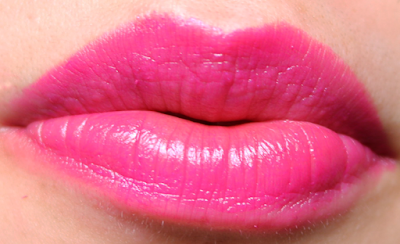 Dolce & Gabbana Classic Cream Lipstick in Cyclamen 258 review and swatches