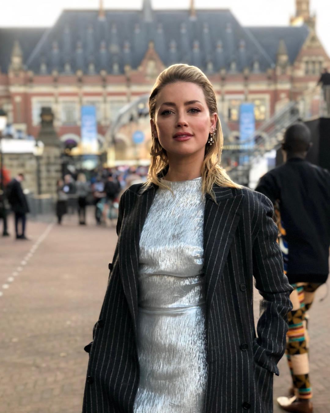 Amber Heard Photos | Amber Heard Pictures - HD Actress Photo