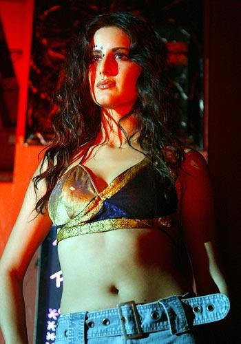 Katrina Kaif Hot Kiss Sex