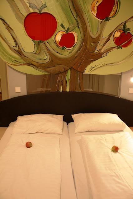 Ein Zimmer in der Pension Apfelhof in Lutzmannsburg © Copyright Monika Fuchs, TravelWorldOnline