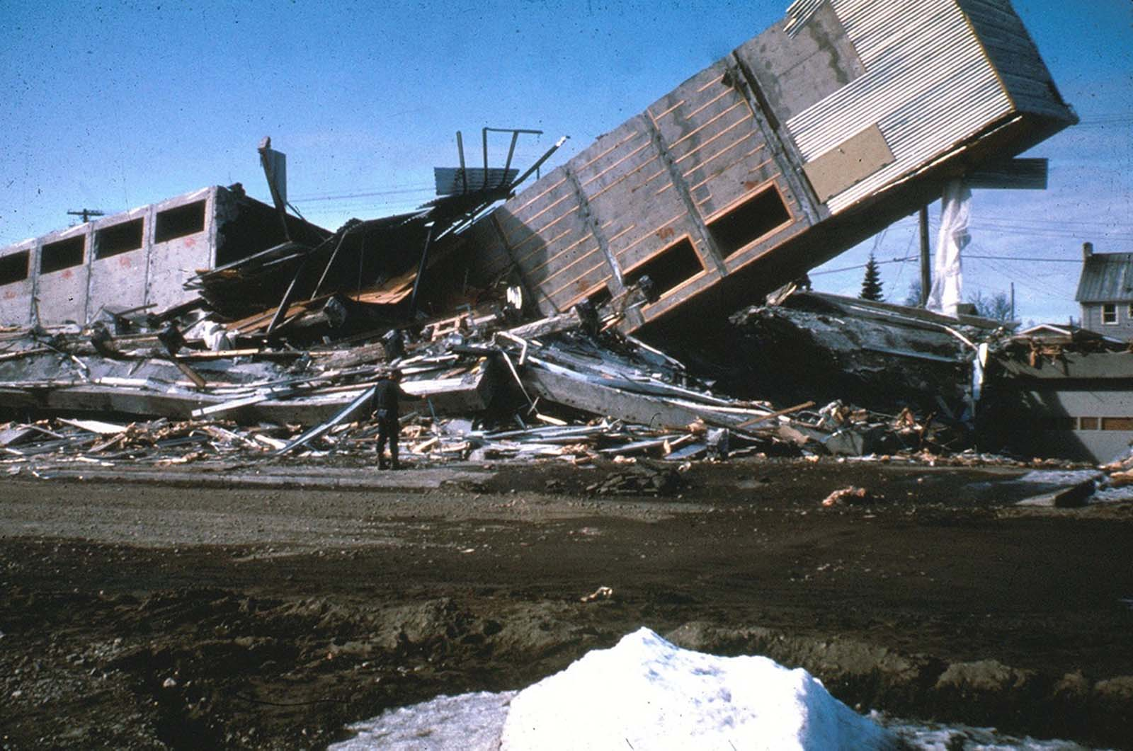 The Four Seasons Apartments in Anchorage was a six-story lift-slab reinforced concrete building which collapsed during the earthquake. The building was under construction, but structurally completed, at the time of the quake.