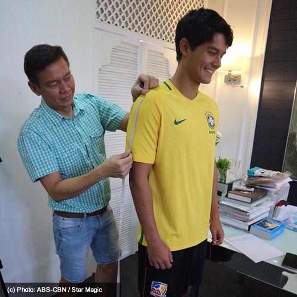 Erich Gonzales and Daniel Matsunaga get measured for 2016 Star Magic Ball