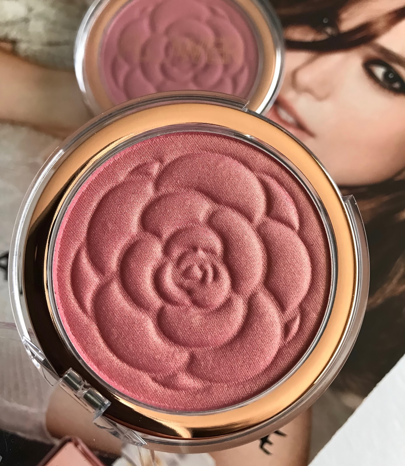Flower beauty flower pots blushes in sweet pea warm hibiscus red flower beauty flower pots blush in warm hibiscus is a peachy blush that has the most beautiful golden sheen if youre a fan of nars orgasm blush and have izmirmasajfo