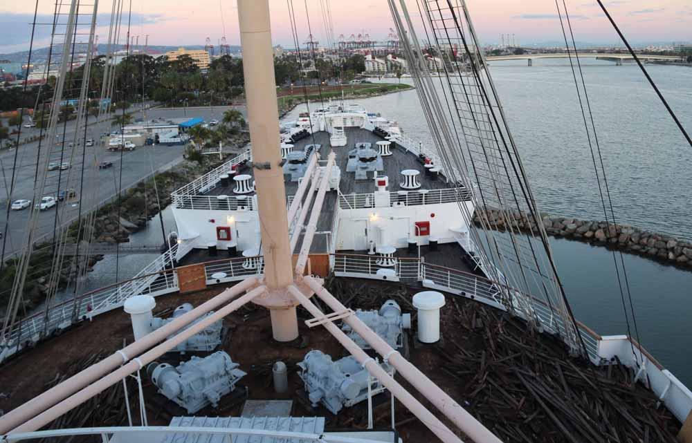 Kummitusjahdissa Queen Mary -aluksella 13