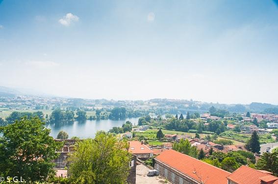 Vista del Miño y Portugal desde Tui. Pontevedra.