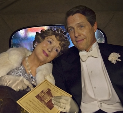 Meryl Streep (Florence Foster Jenkins) y Hugh Grant (St. Clair Bayfield)