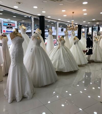 große Auswahl Brautkleider Österreich