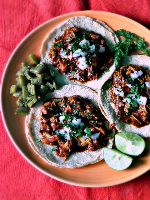 Tacos de Mole - lacocinadeleslie.com