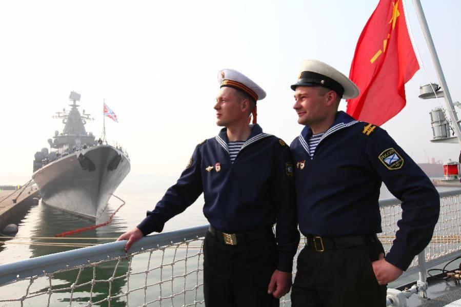 фото морячки на корабле
