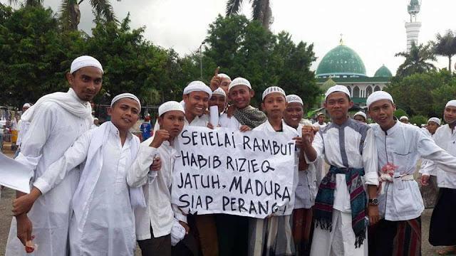 Massa Umat Islam: Sehelai Rambut Habib Rizieq Jatuh, Madura Siap Perang