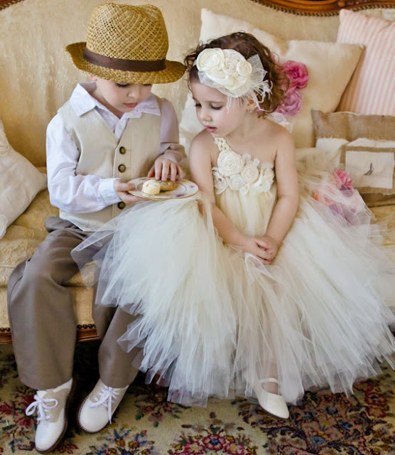 Black+grey+gray+wedding+theme+angelina+jolie+gothic+goth+pride+and+prejudice+elizabeth+bennet+mr+darcy+jane+austen+english+bride+bridal+8 - If Angelina Jolie married Mr. Darcy