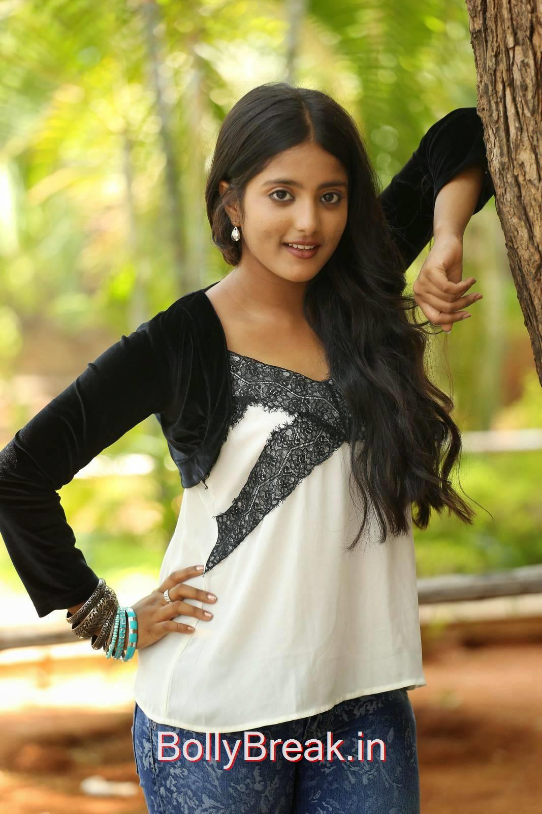 Telugu Actress Ulka Gupta, Cute, Sweet, Innocent Indian Actress Ulka Gupta hot HD Photo Gallery Pics