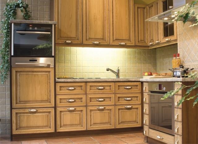 Фасады из дерева для кухни