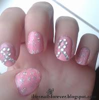 http://infnails.blogspot.nl/2013/10/nail-art-pink-ribbon.html