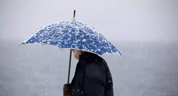 Κακοκαιρία: Ποιοι δρόμοι είναι κλειστοί λόγω του χιονιά - Προβλήματα και στην Αττική