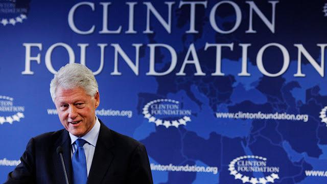 Bill Clinton utilizó fondos de caridad de la Fundación Clinton para fines personales