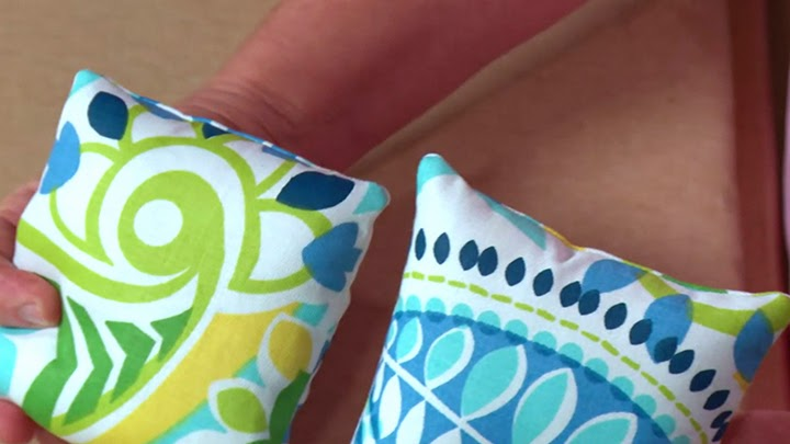 Avoid dog ears on straight edge pillows | Screen Grab from Custom Bedding: Decorative Shams & Bolsters with Jann Newton | A Craftsy Class Review on The Inspired Wren