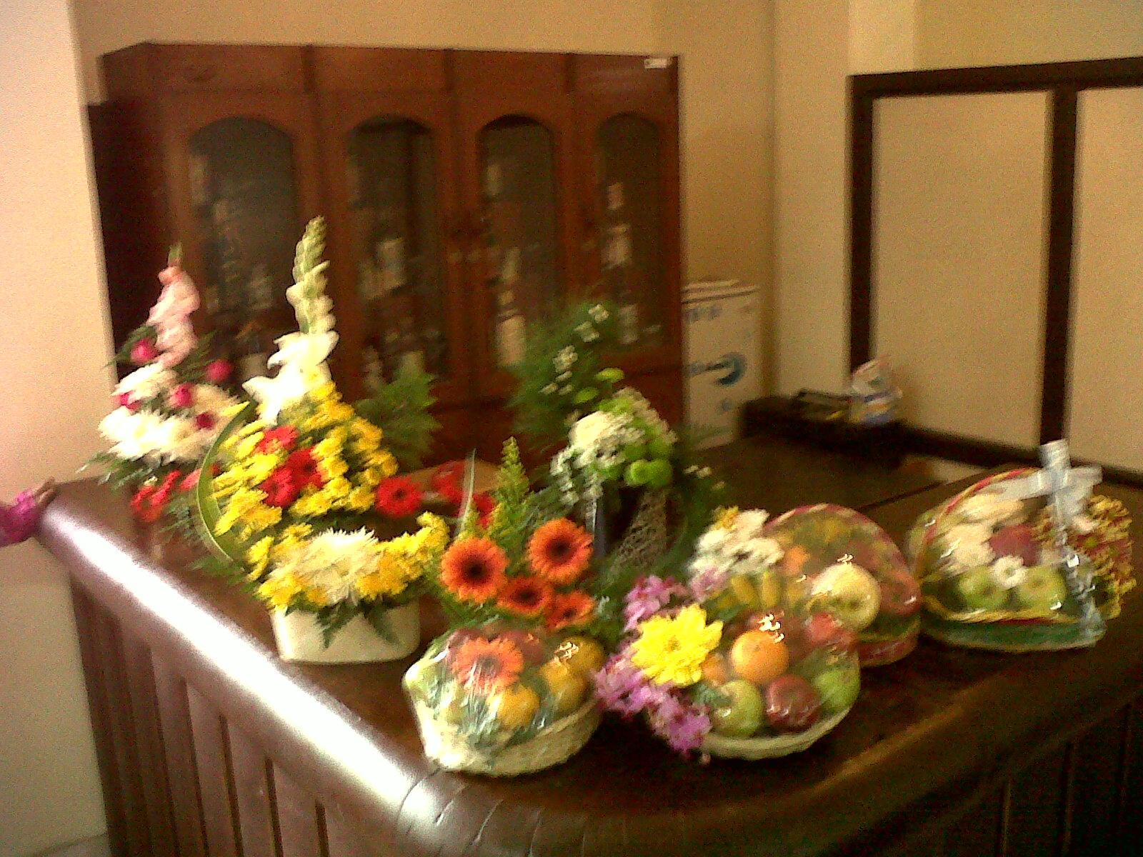 Tan Tan Kitchen Merangkai Bunga Dan Buah