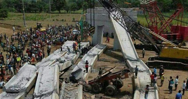 Konstruksi Bangunan Tol Pasuruan-Probolinggo Ambruk