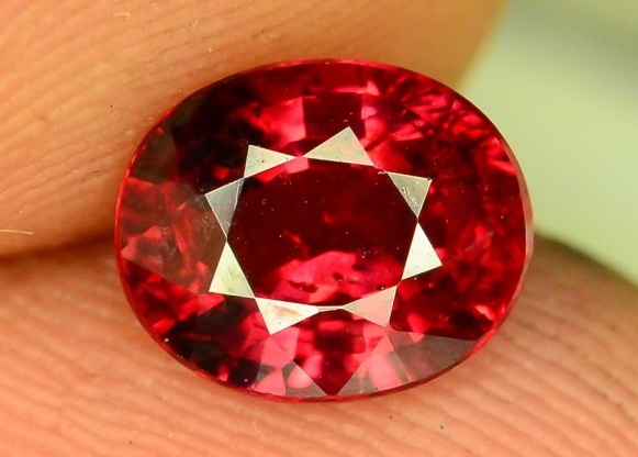Resultado de imagen para included garnet gemstones