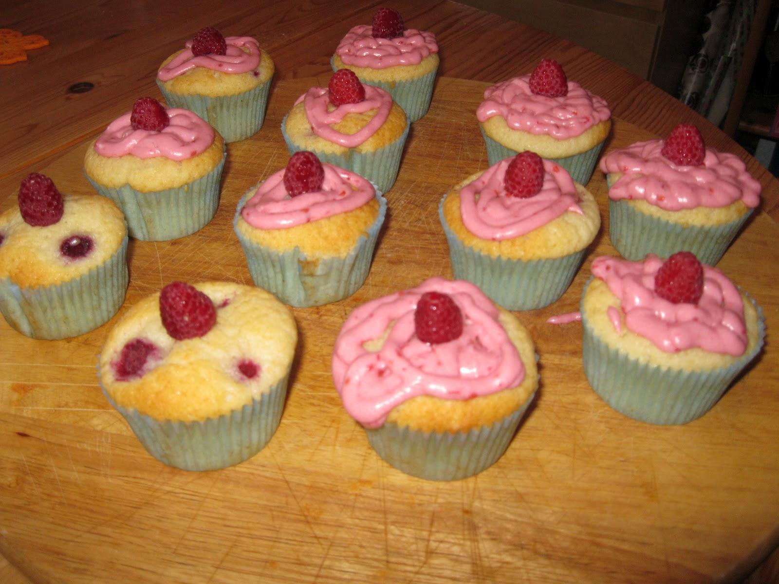 backen leicht gemacht himbeer joghurt muffins. Black Bedroom Furniture Sets. Home Design Ideas