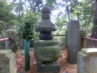 河津祐泰の墓