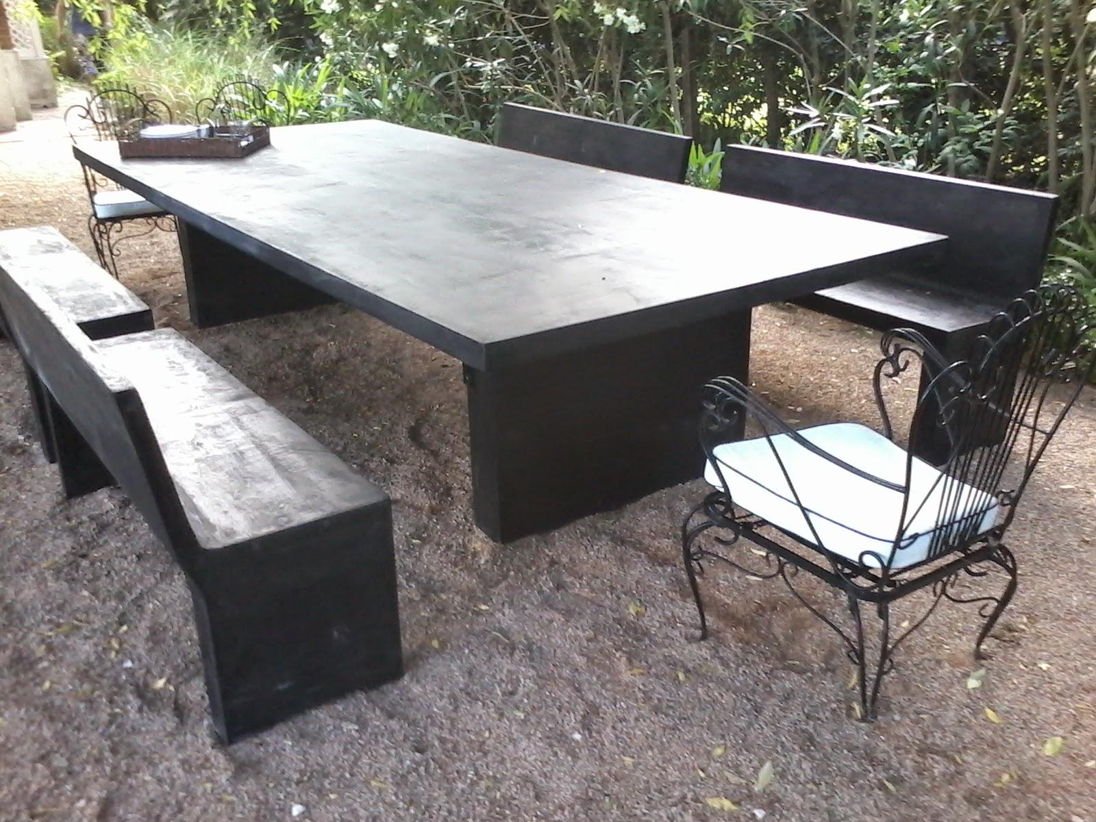 Muebles en cemento light estilo ribera for Bancos para terraza y jardin