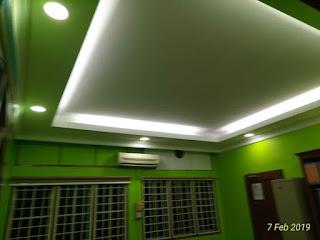 Pemasangan plaster siling dengan aksesori L-Box dan cornice, serta wiring lampu di pejabat cawangan Materiel TUDM