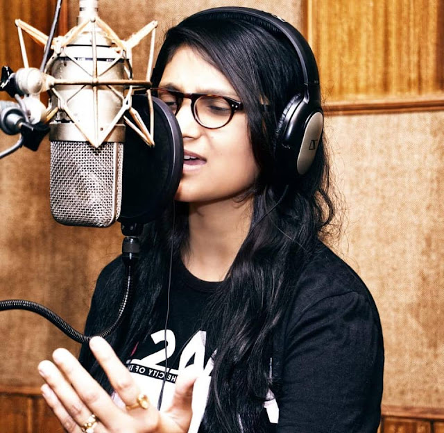 Priyanka Singh is well know and famous singer of Bhojpuri film industry