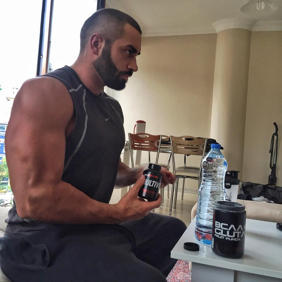Lazar Taking Shredz Multivitamin and Bcaa+glutamine