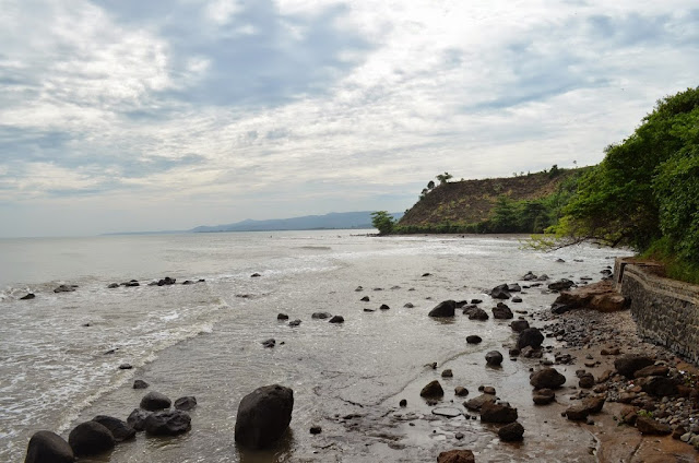 Tempat Wisata Pantai Ujungnegoro di jawa tengah