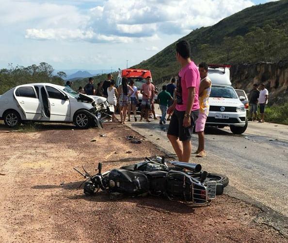 Chapada: Jovem morre em colisão entre moto e carro na BA-142 em Barra da Estiva