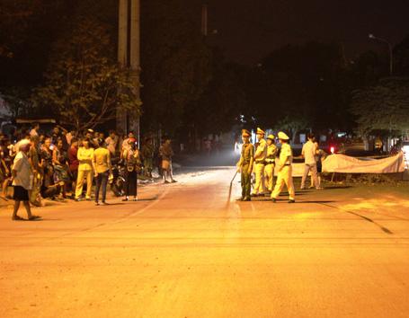 Nửa đêm người dân Quảng Ngãi chặn xe vì bức xúc mùi hôi