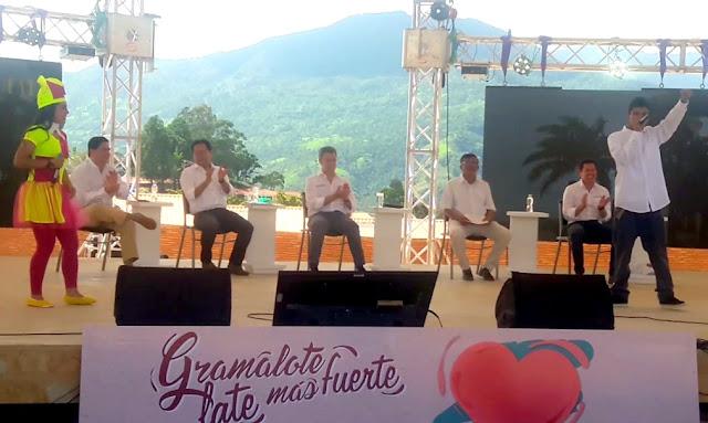 GobNdeS William Villamizar Laguado y presidente Santos visitan #NuevoGramalote #RSY #OngCF