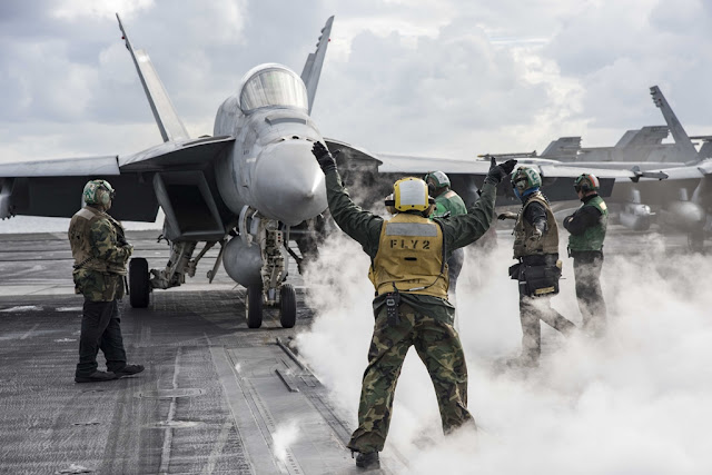 PHOTO COLLECTION OF USS EISENHOWER SUPER HORNETS