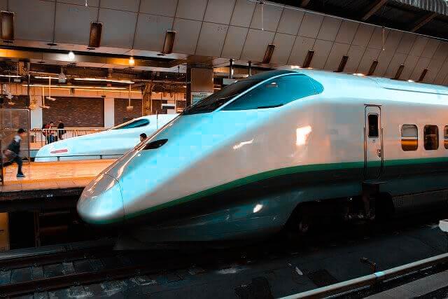 bullet train in tokyo