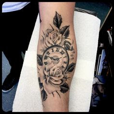 Awesome Clock Tattoo Design with Flowers