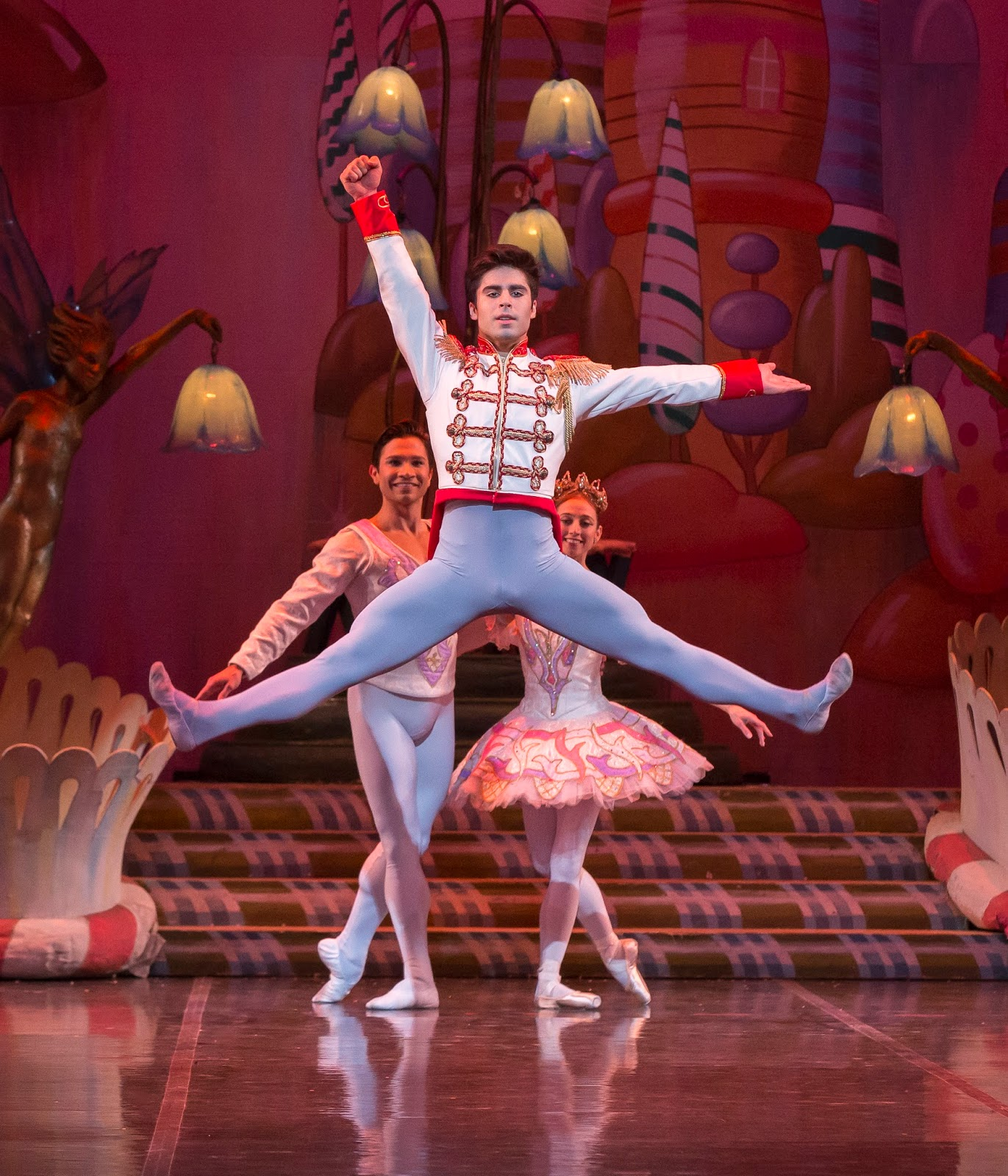 5 Reasons You MUST See The Nutcracker Presented By The