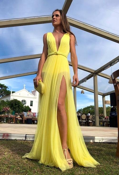vestido amarelo trasparência