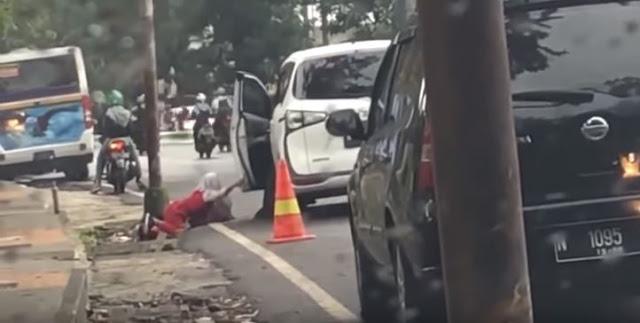 Anak SD Diusir dan Didorong Ibu dari Mobil, Polisi Buru Pelaku