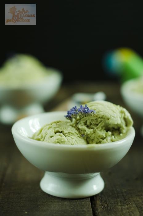 helado-aguacate-yogur1