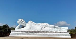 http://www.teluklove.com/2017/01/pesona-keindahan-wisata-vihara-dharma.html