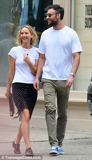 Steve White Vw >> Jennifer Lawrence and Cooke Maroney pictured out on a date together - Welcome To Richie's Blog.