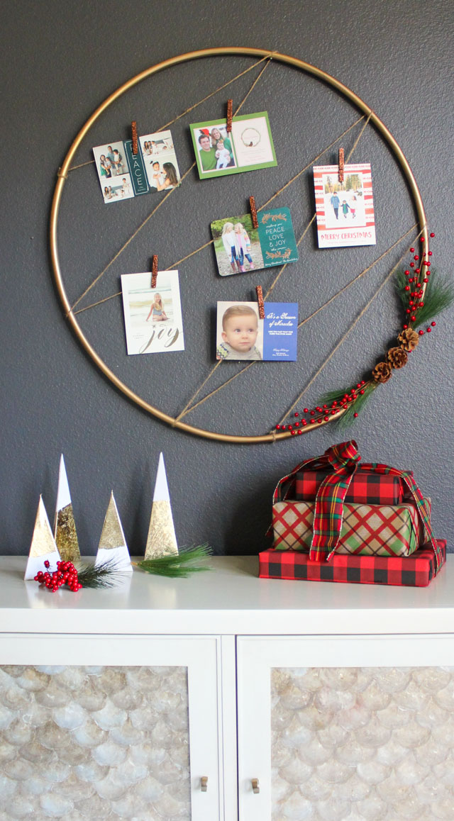 Turn a hula hoop into a chic Christmas card display!